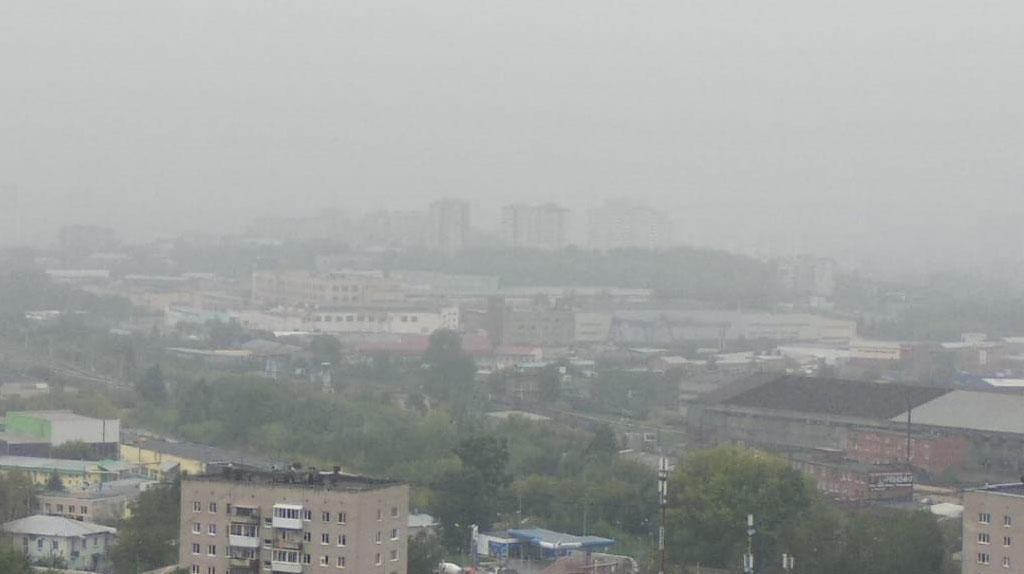 Свердловскую область окутал смог