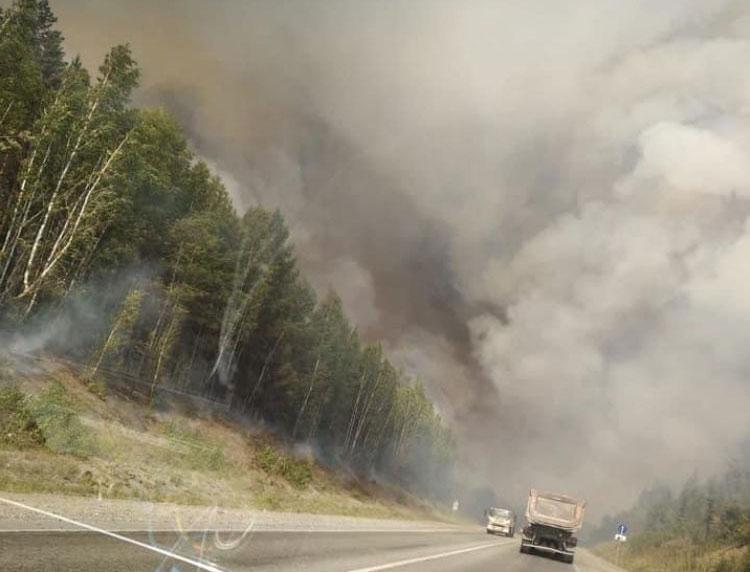 Огонь подбирается к Екатеринбургу