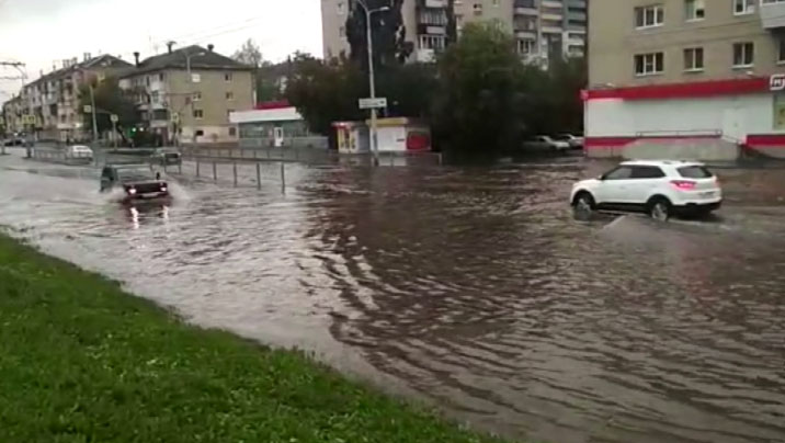 Затопленные улицы, дома без света и неработающие светофоры
