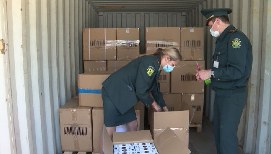 Сотрудники уральской таможни передали малоимущим семьям конфискованные игрушки