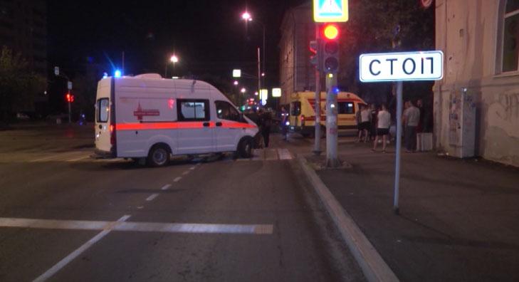 В Невьянске на трассе манипулятор придавил водителя