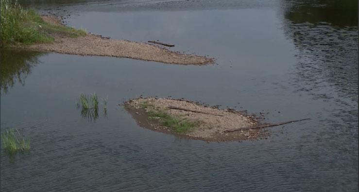 Из-за аномальной жары на Урале обмелели реки