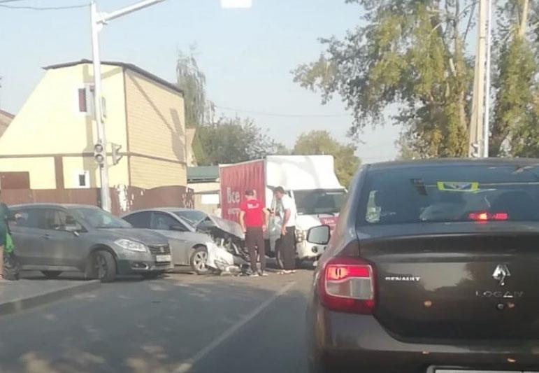 Снова ДТП на перекрестке улиц Волгоградской и Громова