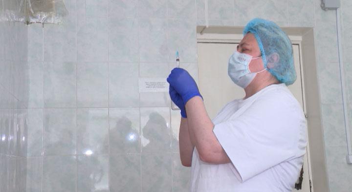 В регионе продолжается вакцинация от коронавируса