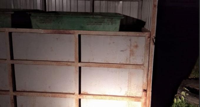 В деревне Марийские Карши на девочку упала часть контейнерной площадки