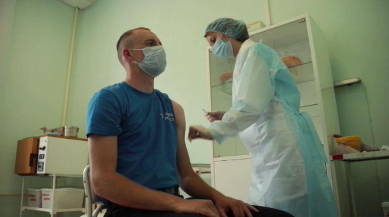 В ЦВО продолжается вакцинация новобранцев