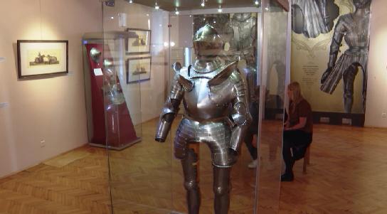В Краеведческом музее открылась выставка оружия «Королевские игры»