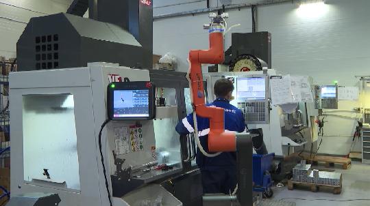 На уральском предприятии начали применять роботов-помощников