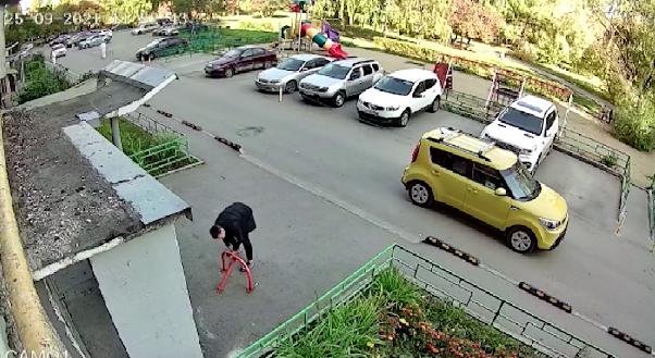 Борец с парковочными блокираторами появился в столице Урала
