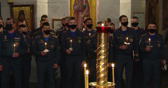 Православные верующие отмечают День иконы Божьей матери «Неопалимая купина»