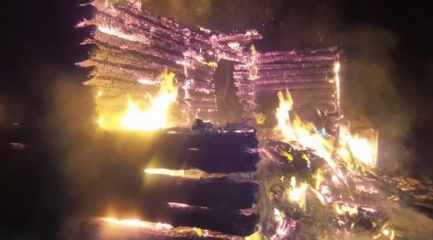 На Чусовском тракте сгорел дом