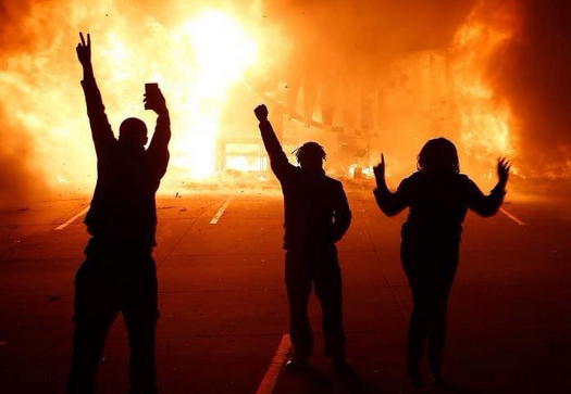 В Екатеринбурге задержали пироманов поджигавших жилые дома