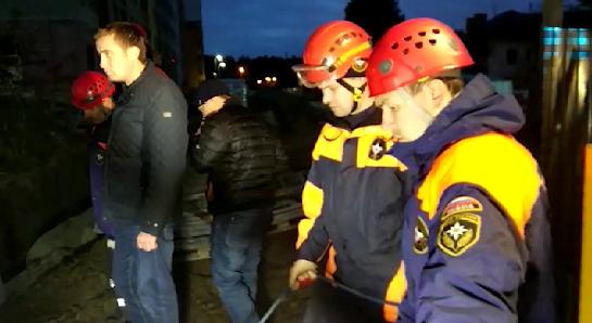 В Екатеринбурге обвалилась стена котлована