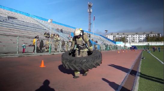 В Краснотурьинске прошли соревнования сотрудников МЧС по кроссфиту