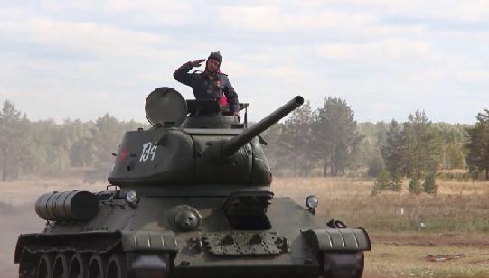 На Урале громко отметили День танкиста