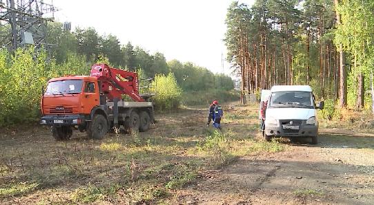Центр Екатеринбурга остался без света из-за повреждения кабеля при незаконной вырубке леса
