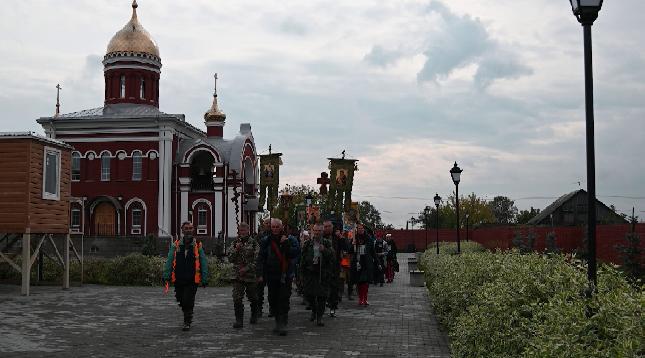 Симеоновский крестный ход стартовал в Алапаевске