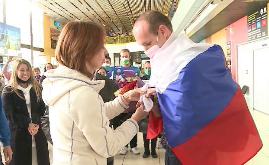 В Екатеринбург вернулся участник Паралимпийских Игр Михаил Асташов