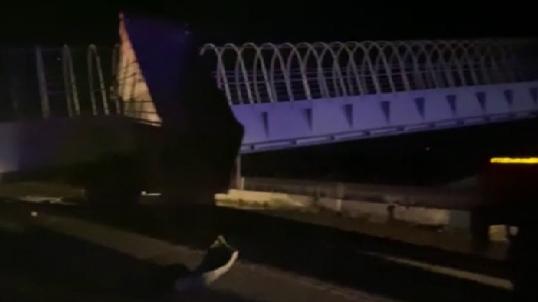 На трассе Пермь-Екатеринбург при обрушении моста погибли два человека