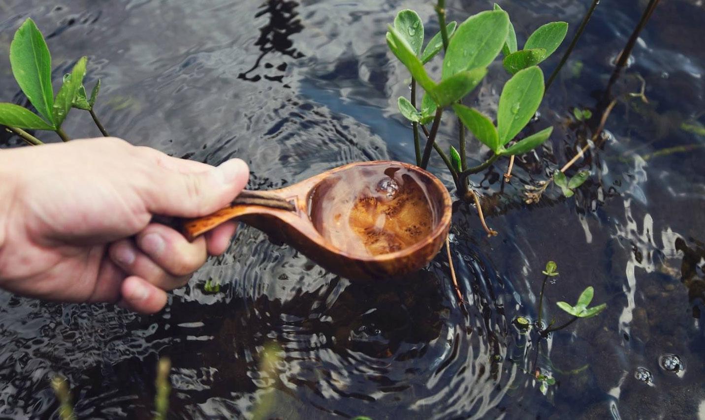 В Реже демонтируют трубу, через которую воду из бассейна «Баден-Баден» сбрасывали в пруд