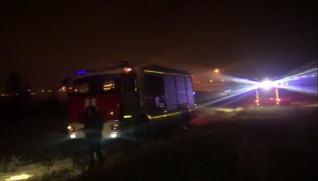 Крупный пожар ликвидировали свердловские спасатели