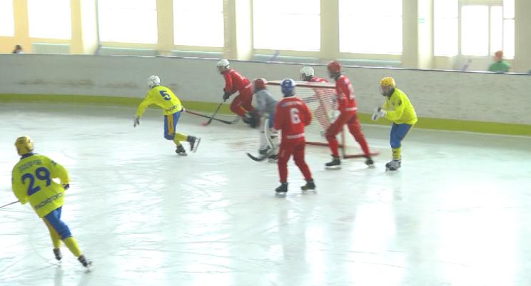 В Первоуральске стартовало Первенство России по хоккею с мячом