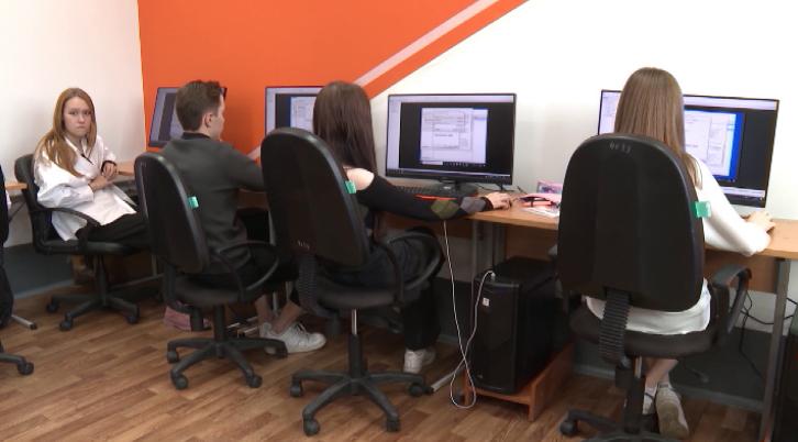 В Екатеринбурге запустили пилотный проект «Колледж-класс»